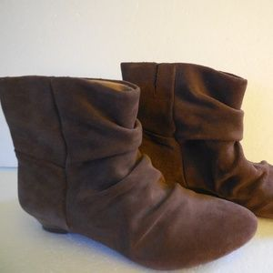 NEW NINE WEST Slouch leather brown booties 6m